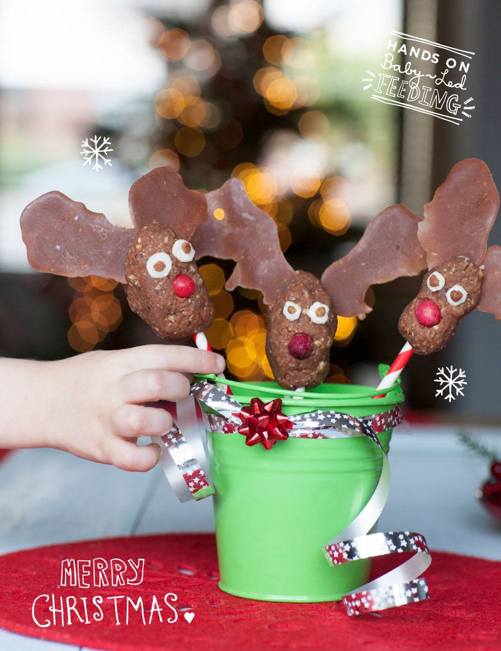 Healthy Baby Reindeer Christmas Lollipops Baby Led Feeding Delicious treats perfect for a healthy Christmas baby led weaning. Healthy googly eyes recipe. Healthy recipe for baby led weaning. Baby Led weaning recipe for Christmas. Christmas ideas for baby led weaning.