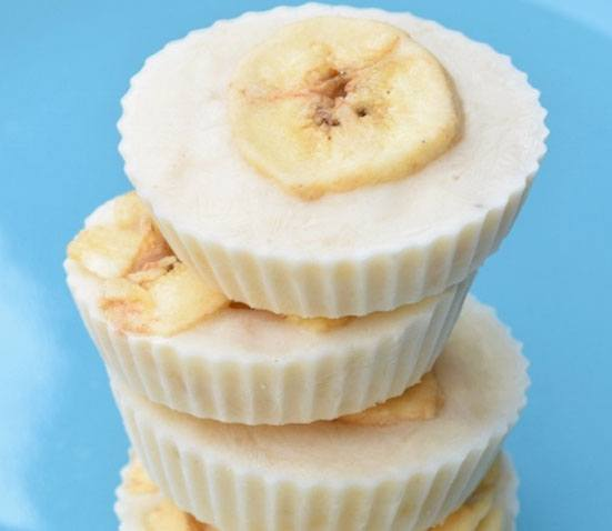 Frozen Banana Yogurt Bites from Eats Amazing. Homemade Baby Finger Food Recipes and Ideas for giving Your Baby Nutritious Finger Foods. These delicious finger food recipe are easy to make and are soft for little hands.