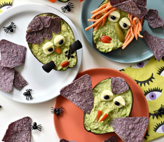10 Healthy Halloween Foods to make right now! Baby and Toddler Finger Foods Halloween Guaca Monsters from Fork and Beans. Homemade Baby Finger Food Recipes and Ideas for giving Your Baby Nutritious Finger Foods for the halloween season.