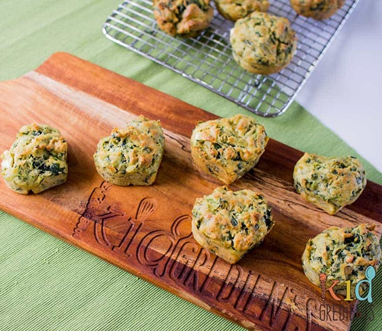 Baby Led Feeding- image of spinach, feta and pesto muffins recipe
