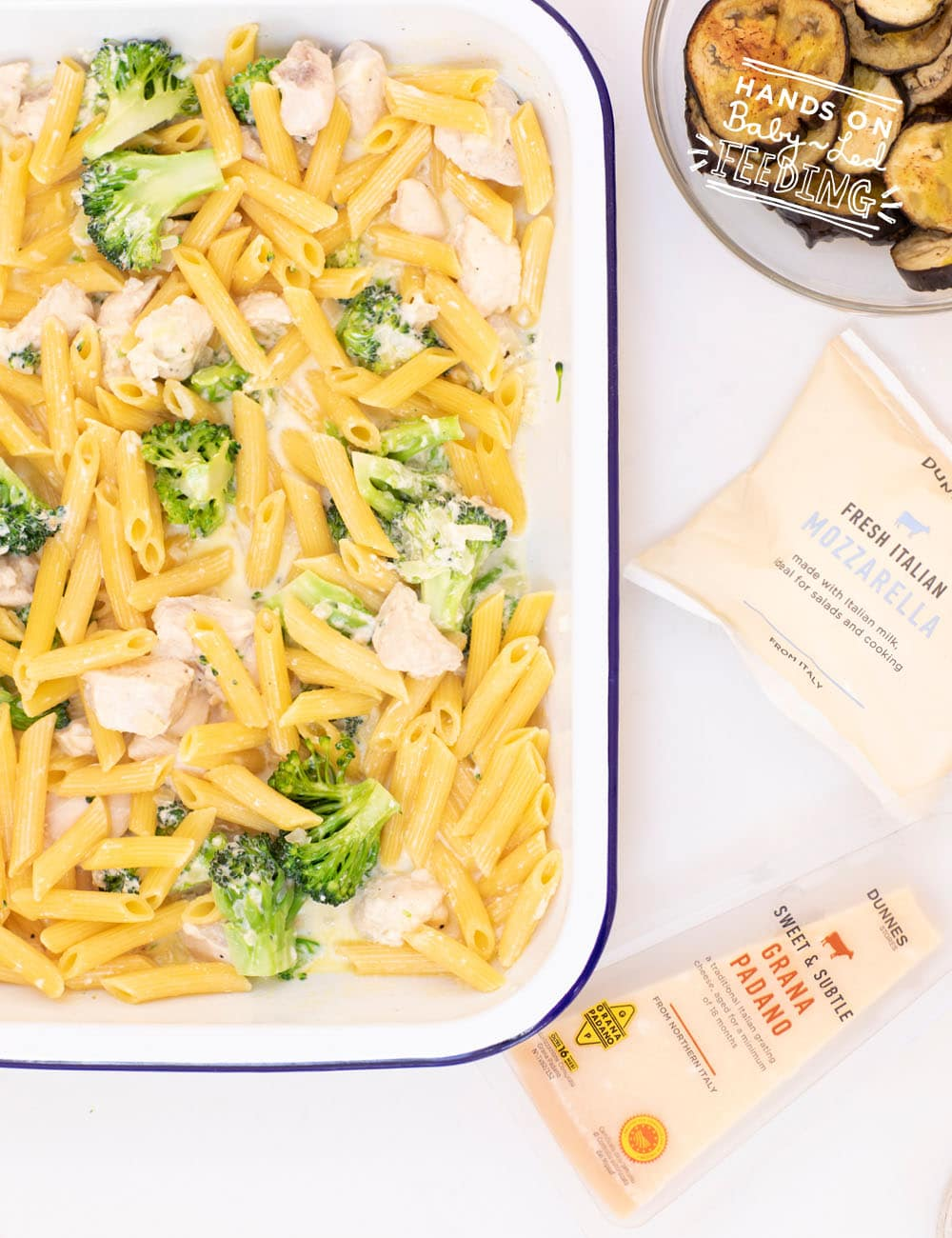 Hearty and Healthy Chicken Broccoli Pasta Bake for Baby Led Weaning. Grated goat cheese and Greek yogurt give this pasta dish a unique flavour that even picky eaters will crave! #babyledweaning #babyledfeeding #pickyeater