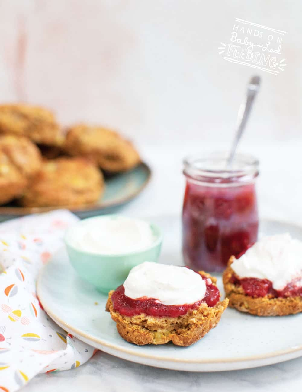 Healthy Rhubarb Scones for baby led weaning! A healthy snack idea for babies and toddlers! These healthy scones are naturally sweetened, made with whole wheat flour, and protein-rich Greek yogurt.  #babyledweaning #babyledfeeding #kidscookalong #babyrecipe #weaningrecipe #scones #rhubarb